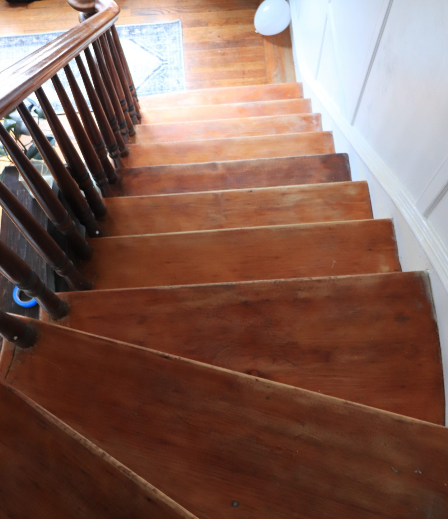 How To Update Stair Treads With Minwax Gel Stain