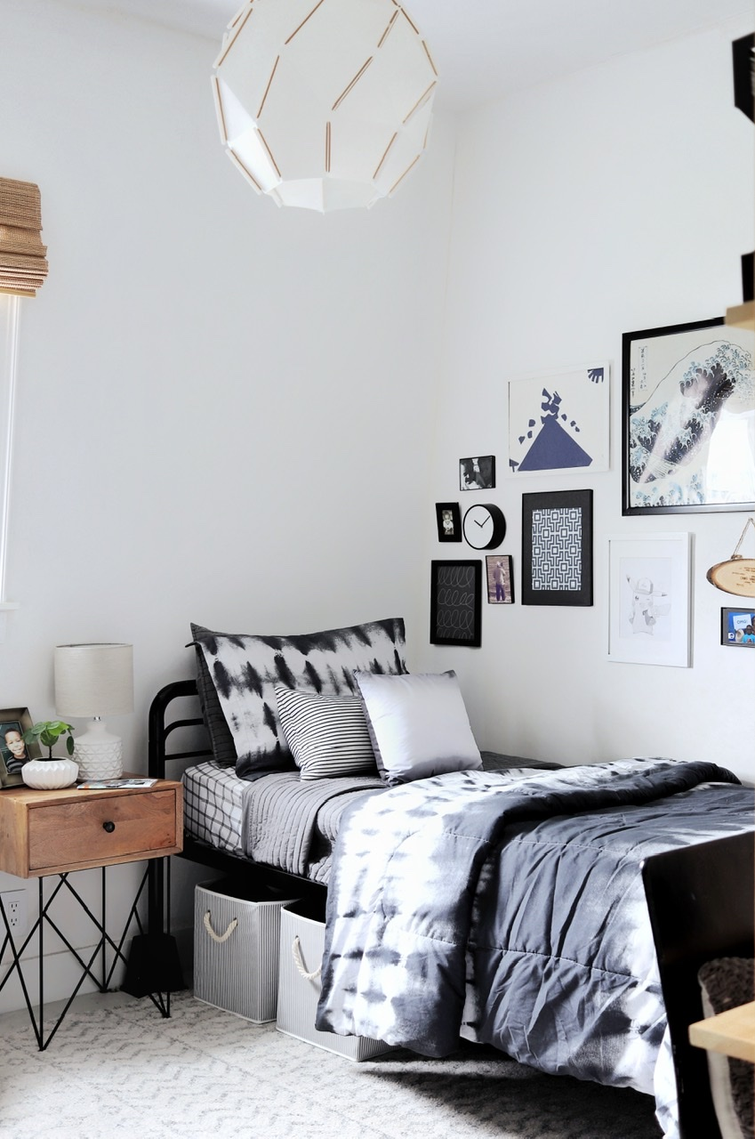 Tween Boy's Bedroom
